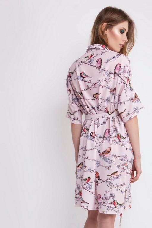Obszerna koszulowa sukienka w ptaszki, z kieszeniami