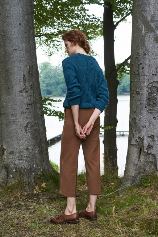Wełniany sweter w warkocze, turkusowy