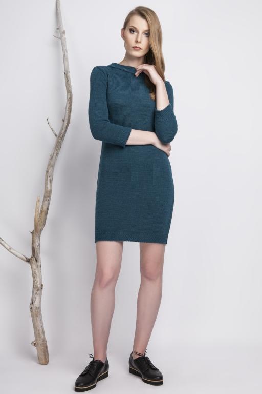 Klasyczna, dzianinowa sukienka ze stójką, turkusowa