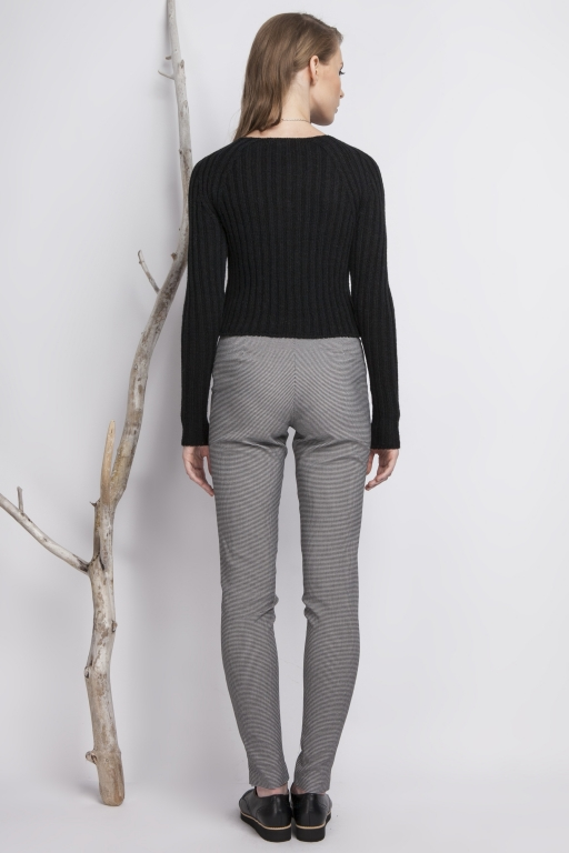 Fitted, stripped sweater, black