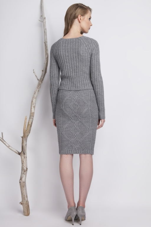 Fitted, stripped sweater, gray