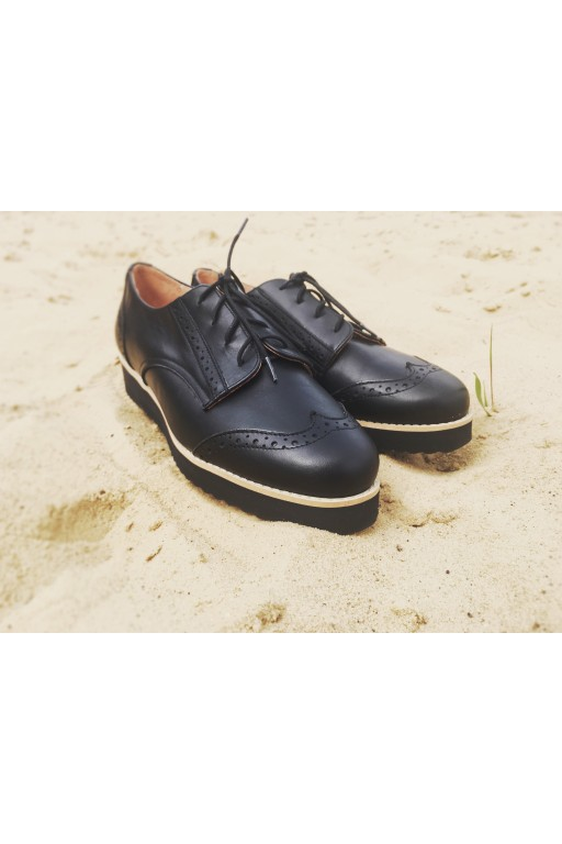 Handmade leather oxford shoes