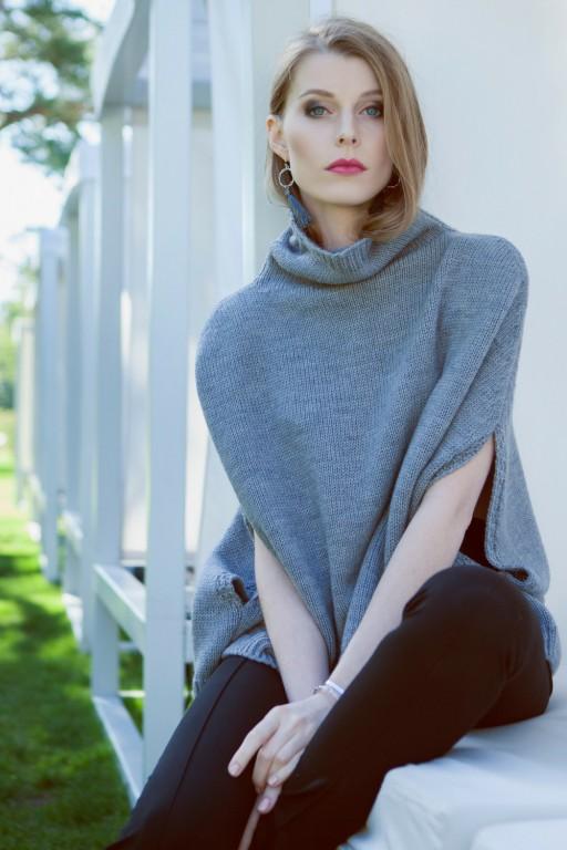 Plain turtleneck poncho, gray