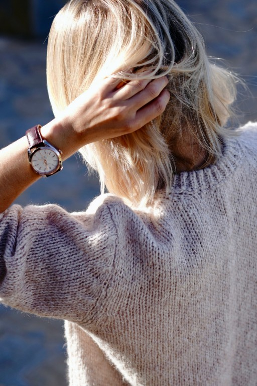 Gładki sweter z moherowym włosiem, beżowy