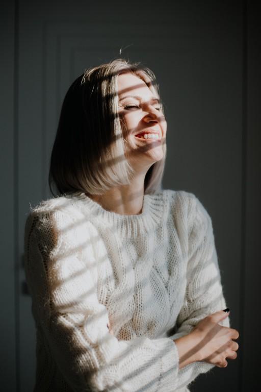 Wełniany sweter w warkocze, écru