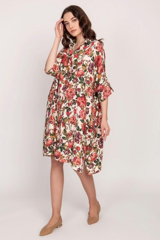 Obszerna koszulowa sukienka w róże z kieszeniami