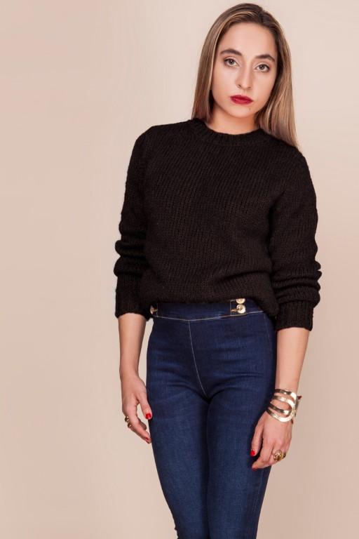 Gładki sweterek z delikatnym włosiem, czarny