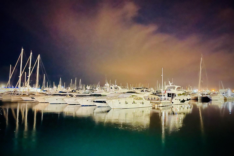 Kilka wieczorów temu w porcie Alicante... Piękno jest w oczach patrzącego. Ja tak patrzę na świat...  #myworld #mylife #photo